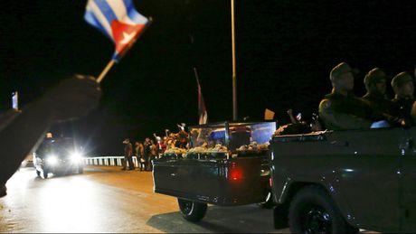 Le dua di hai lanh tu Fidel Castro ve Santiago de Cuba - Anh 16