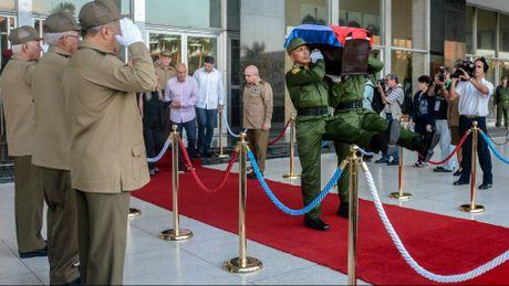 Le dua di hai lanh tu Fidel Castro ve Santiago de Cuba - Anh 2