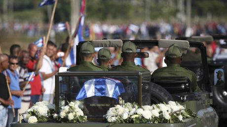 Le dua di hai lanh tu Fidel Castro ve Santiago de Cuba - Anh 5
