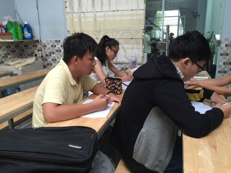 TP.HCM: 100.000 hoc sinh tieu hoc hoc them van hoa ngoai gio chinh khoa - Anh 1