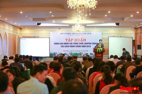 Khai mac Lop tap huan nang cao nang luc cong chuc chuyen trach cai cach hanh chinh - Anh 4