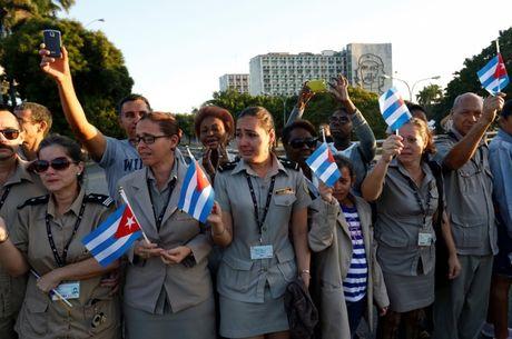 Tro cot Fidel Castro bat dau hanh trinh ve noi an nghi - Anh 10