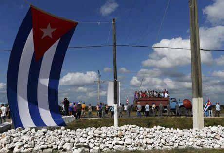 Tro cot Fidel Castro bat dau hanh trinh ve noi an nghi - Anh 11