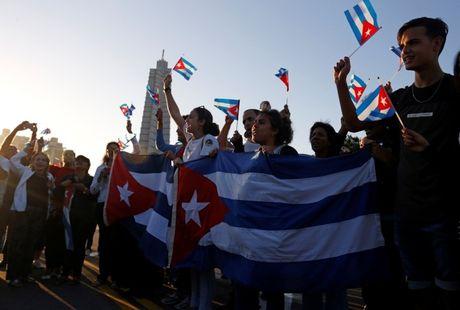 Tro cot Fidel Castro bat dau hanh trinh ve noi an nghi - Anh 4
