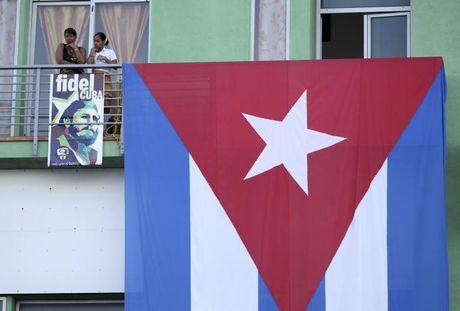 Tro cot Fidel Castro bat dau hanh trinh ve noi an nghi - Anh 5