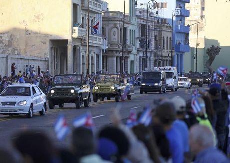 Tro cot Fidel Castro bat dau hanh trinh ve noi an nghi - Anh 8