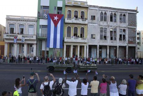Tro cot Fidel Castro bat dau hanh trinh ve noi an nghi - Anh 9