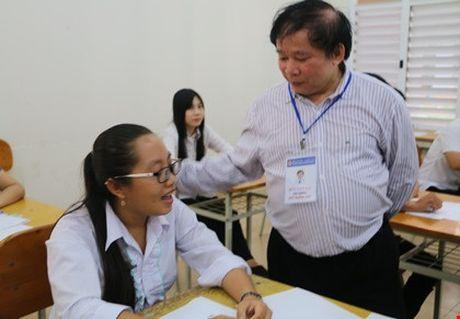 Bo GD - DT khong phat hanh tai lieu huong dan on tap - Anh 1