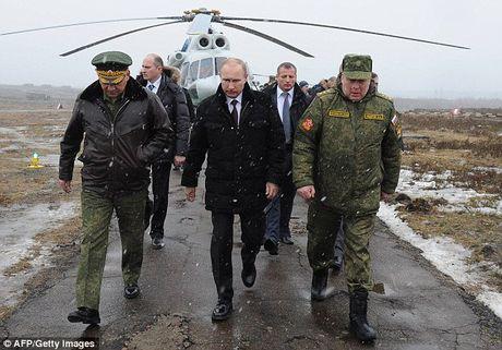 Nga dieu 55.000 binh si ap sat bien gioi Ukraine - Anh 1