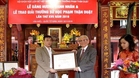 Trao Giai thuong su hoc Pham Than Duat lan thu 17 - Anh 1