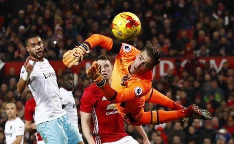 Vui dap West Ham 4-1, MU vao ban ket League Cup - Anh 6