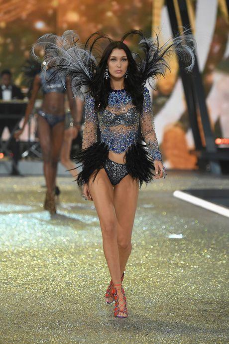 Nhung man trinh dien boc lua nhat Victoria's Secret Show - Anh 10