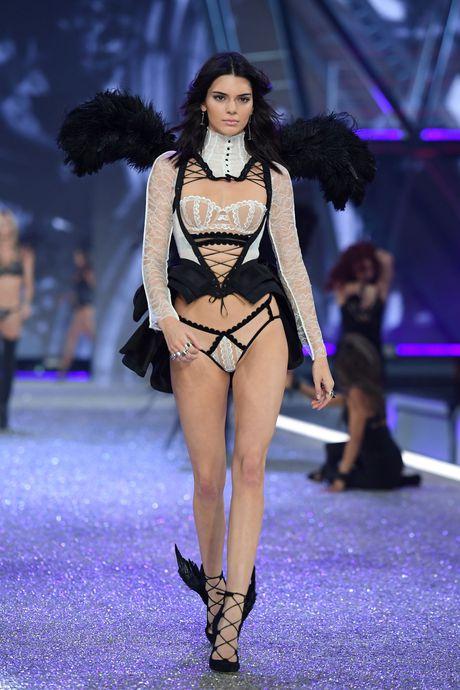 Nhung man trinh dien boc lua nhat Victoria's Secret Show - Anh 7