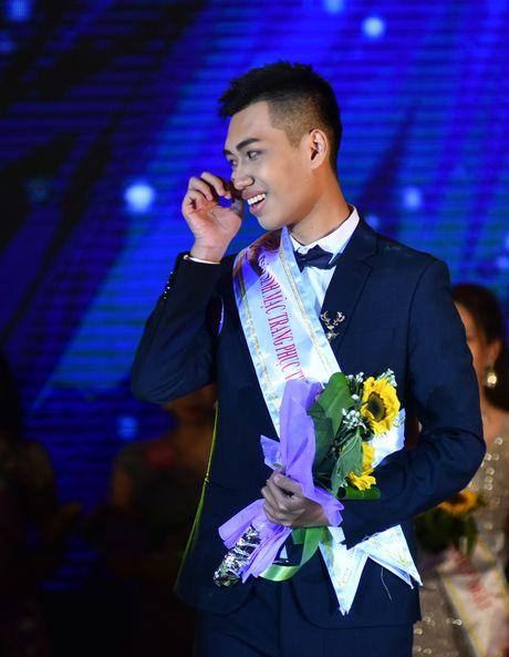 Chang trai cao 1,8 m tro thanh nam vuong DH Quoc gia Ha Noi - Anh 11