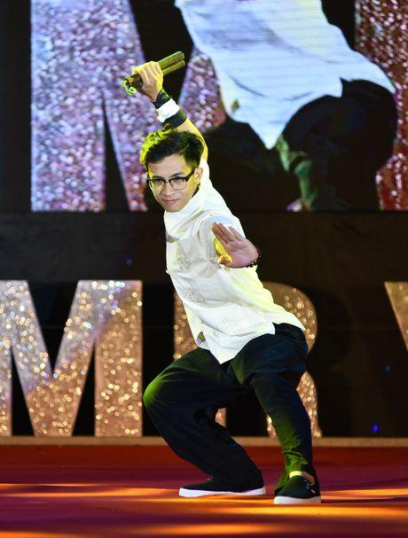 Chang trai cao 1,8 m tro thanh nam vuong DH Quoc gia Ha Noi - Anh 5