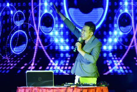 Chang trai cao 1,8 m tro thanh nam vuong DH Quoc gia Ha Noi - Anh 9