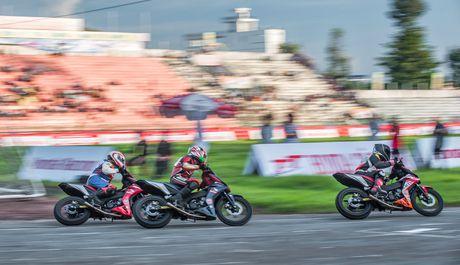 Dua xe Honda Winner tai Dong Thap - Anh 2