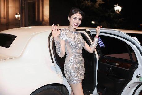 Le Ha, Ngoc Duyen mac goi cam du show Victoria's Secret - Anh 2