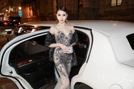 Le Ha, Ngoc Duyen mac goi cam du show Victoria's Secret - Anh 4