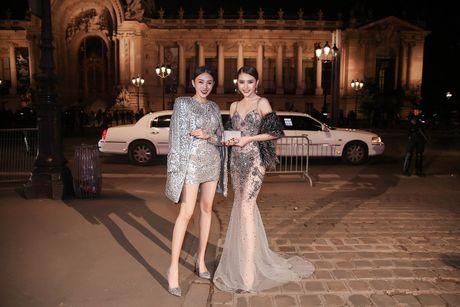 Le Ha, Ngoc Duyen mac goi cam du show Victoria's Secret - Anh 5