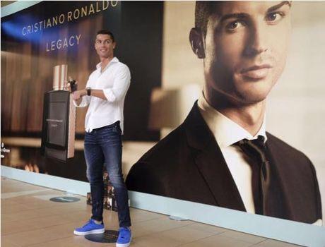 Ronaldo co the bi cuc thue dieu tra - Anh 1