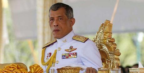 Hoang Thai tu Thai Lan tiep nhan vuong quyen - Anh 1