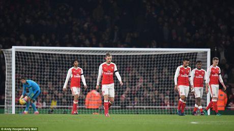 Arsenal 0-2 Southampton: Da doi hinh 2, phong ngu te hai, 'Phao thu' het bat bai - Anh 2