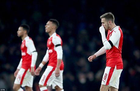 Arsenal 0-2 Southampton: Da doi hinh 2, phong ngu te hai, 'Phao thu' het bat bai - Anh 3