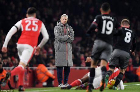 Arsenal 0-2 Southampton: Da doi hinh 2, phong ngu te hai, 'Phao thu' het bat bai - Anh 4