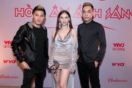 'The Remix 2017': Tan binh va cuu binh doi dau - Anh 2