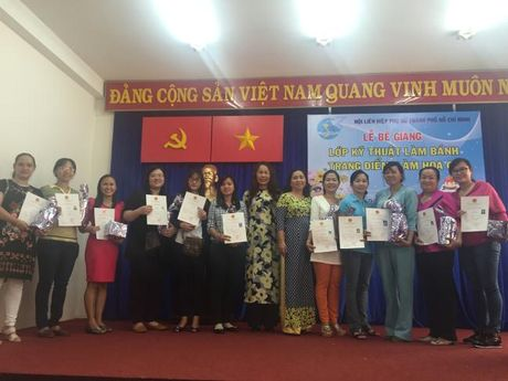 Le be giang lop dao tao nghe - Anh 2