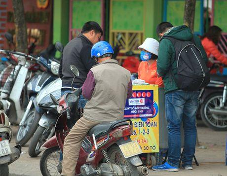 Chua duoc phat hanh tai Ha Noi, ve so Vietlott ban 'chui' dat hang - Anh 1