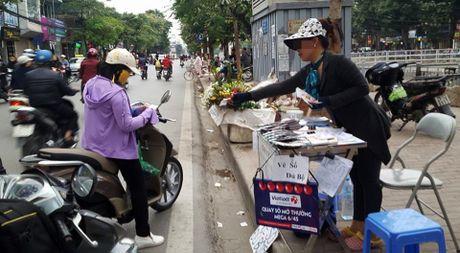 Chua duoc phat hanh tai Ha Noi, ve so Vietlott ban 'chui' dat hang - Anh 2