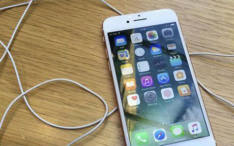 Lam sao de khong bi lam phien tren lich cua iPhone va iPad - Anh 1
