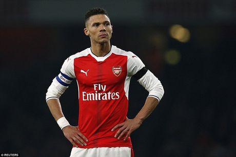 Chum anh: Arsenal thua 'lam lung trang bung' truoc Southampton - Anh 17