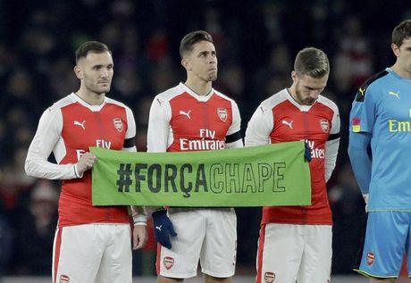 Chum anh: Arsenal thua 'lam lung trang bung' truoc Southampton - Anh 1