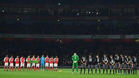 Chum anh: Arsenal thua 'lam lung trang bung' truoc Southampton - Anh 2