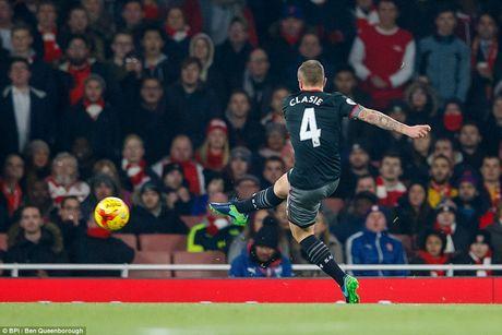 Chum anh: Arsenal thua 'lam lung trang bung' truoc Southampton - Anh 4