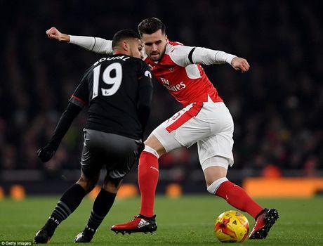 Chum anh: Arsenal thua 'lam lung trang bung' truoc Southampton - Anh 7