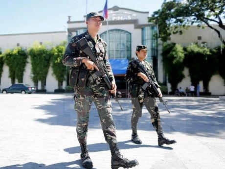 Philippines bao dong cao nhat sau am muu no bom giua long thu do - Anh 1