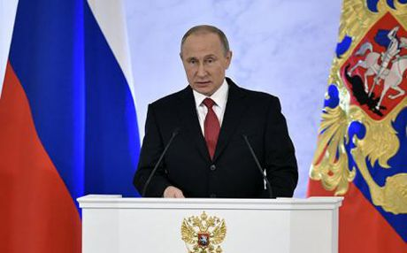 Putin doc Thong diep lien bang: Nga khien phuong Tay giat minh - Anh 1