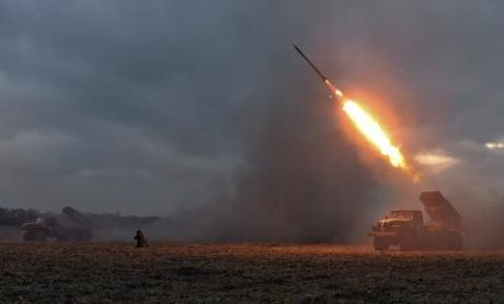 Ukraine ban ten lua gan Crimea: Doi ke hoach phut cuoi? - Anh 1