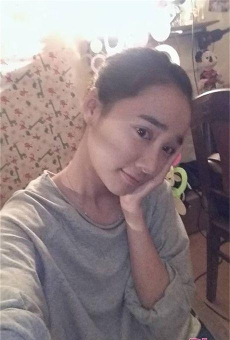 Khong ngo Nha Phuong ngoai doi lai 'noi loan' the nay - Anh 14