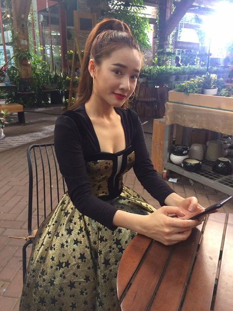 Khong ngo Nha Phuong ngoai doi lai 'noi loan' the nay - Anh 16