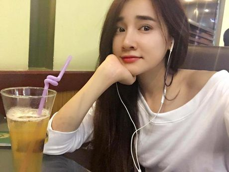 Khong ngo Nha Phuong ngoai doi lai 'noi loan' the nay - Anh 17