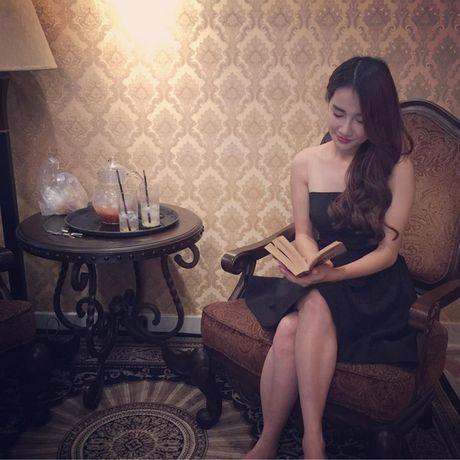 Khong ngo Nha Phuong ngoai doi lai 'noi loan' the nay - Anh 4