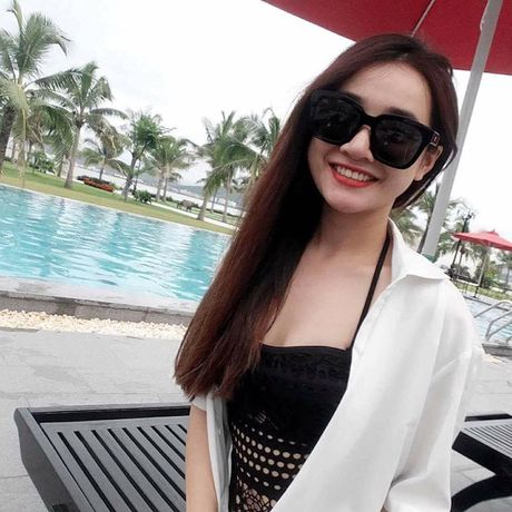 Khong ngo Nha Phuong ngoai doi lai 'noi loan' the nay - Anh 8