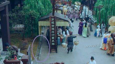 Phat cau loi ngo ngan phim co trang 8 ty view cua TQ - Anh 15