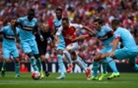 Phau thuat thanh cong, sao Arsenal can 3 thang de binh phuc - Anh 3