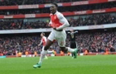 Diem tin sang 02/12: Xong tuong lai Carrick; Sao Arsenal nghi dai han - Anh 3